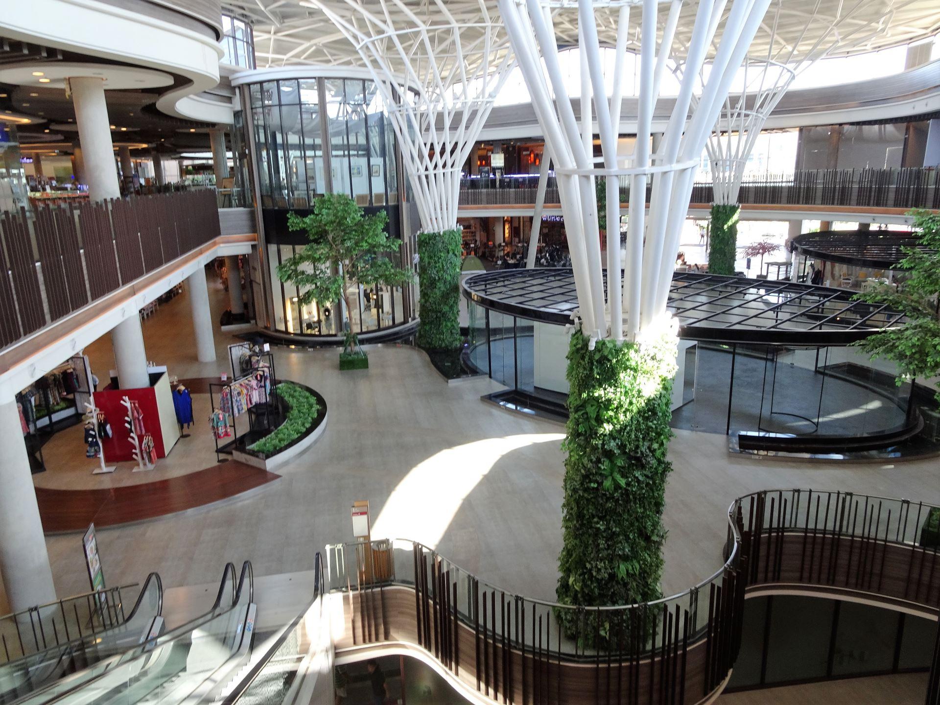Season fashion mall chiang mai