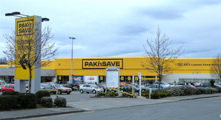 PaKnSave Shopping Center