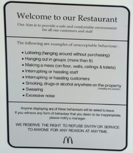 new-zealand-roadtrip-nelson-mcdonalds-sign