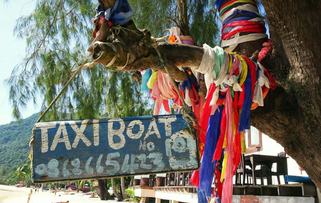 10-fun-things-to-do-on-koh-tao-taxi-boat
