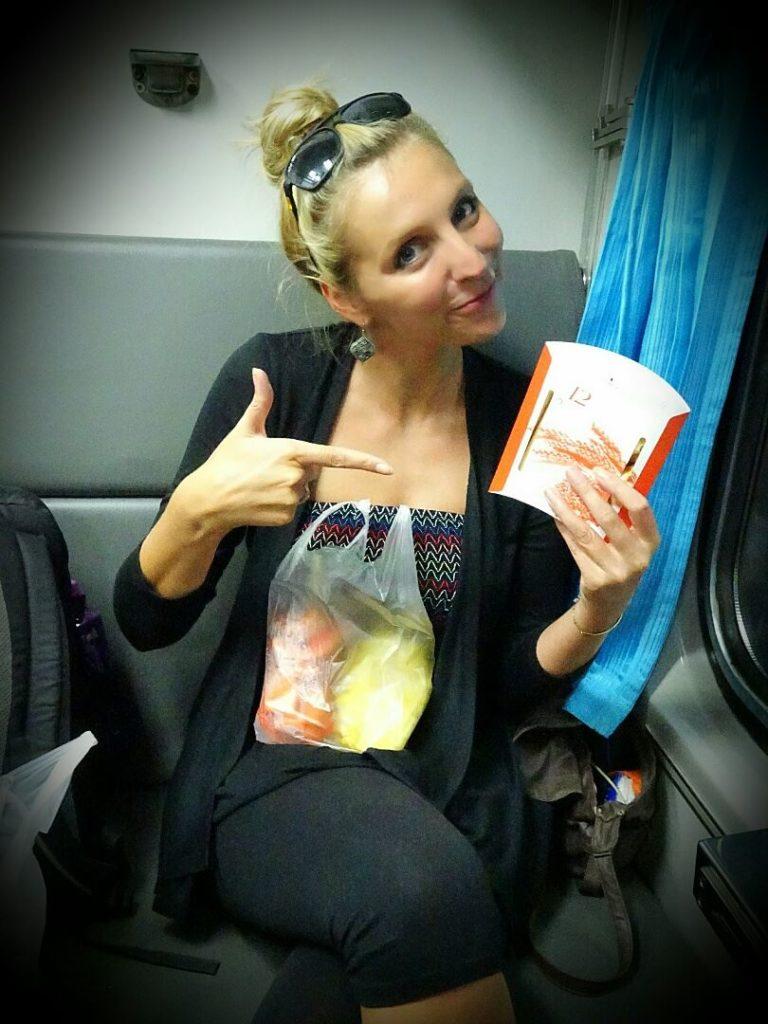 bangkok_koh_tao_over_night_train_dinner