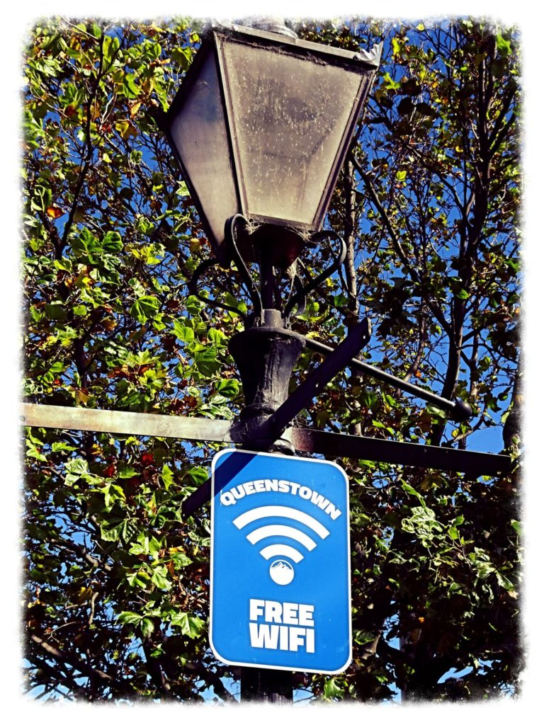 new-zealand-roadtrip-queenstown-free-wifi