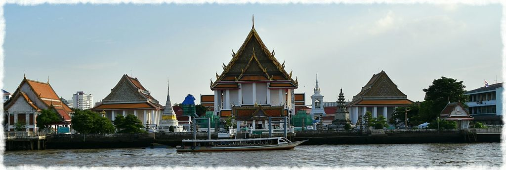 bangkok-temple-sightseeing_10-fun-things-to-do-in-bangkok-for-couples