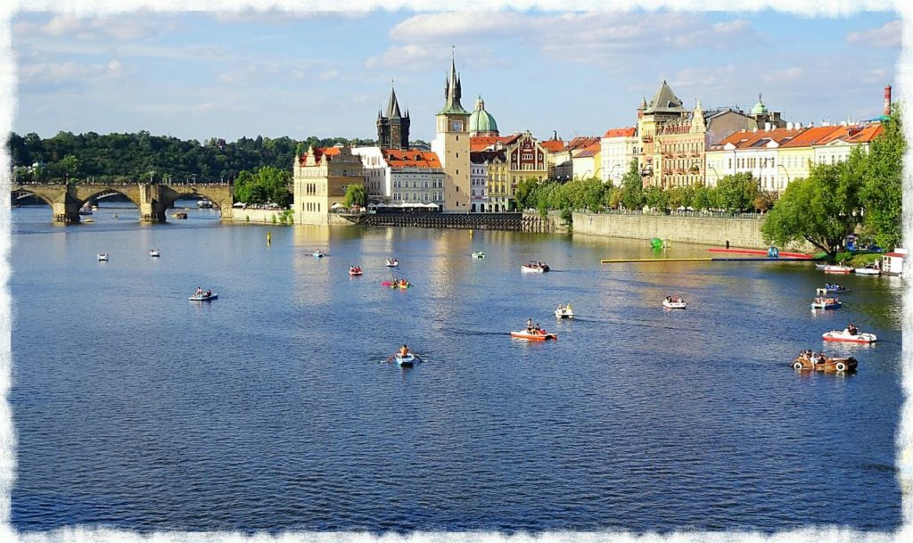 unique-things-prague-charles-bridge-and-paddle-boats