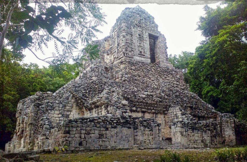 Mayan ruins near Bacalar_Chicanna ruin