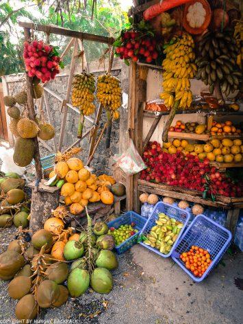 Sri Lankan food_fruit stall in Unawatuna