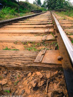 Ella hikes nine arch bridge_detail railway tracks