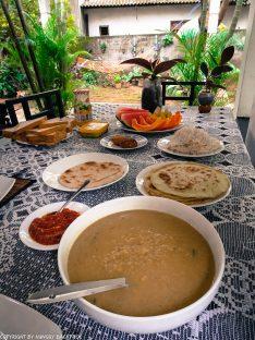Sri Lankan curry for breakfast