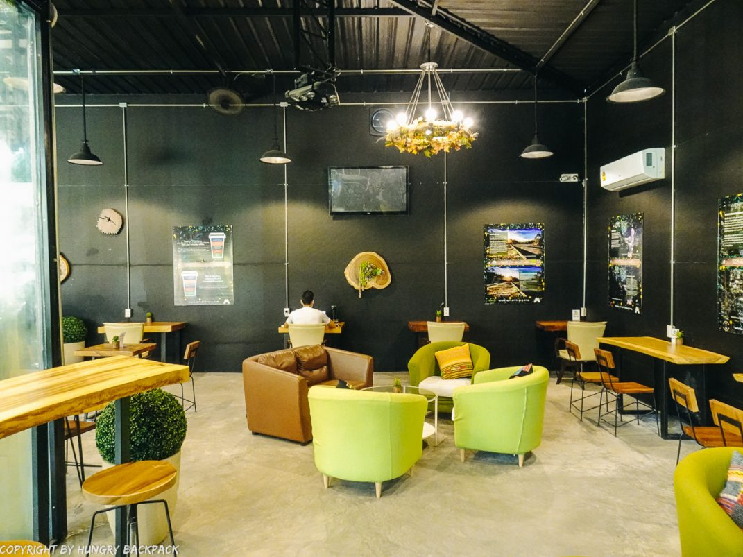 Cafes to work from_chiang mai_Santitham_MDL cafe_inside