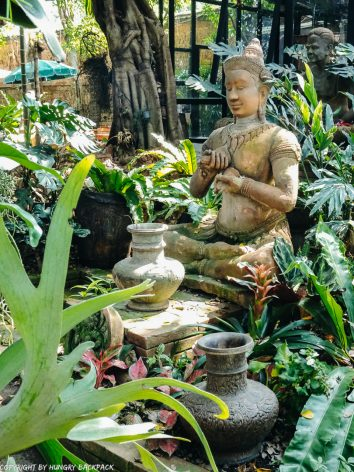 Cafes to work from_chiang mai_old Town_clay studio garden statues