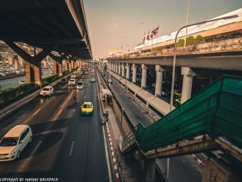 Don Mueang Airport to Bangkok City by train_looking down from foot path to train station
