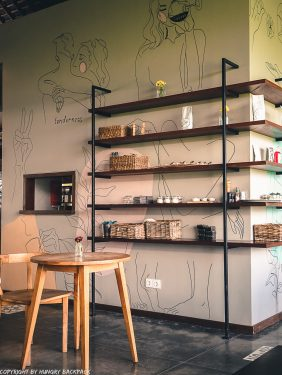 work-friendly cafes Canggu_Cinta Cafe_wall art