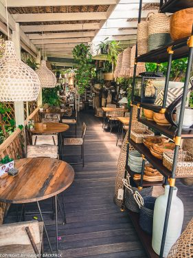 work-friendly cafes Canggu_Nook_decor