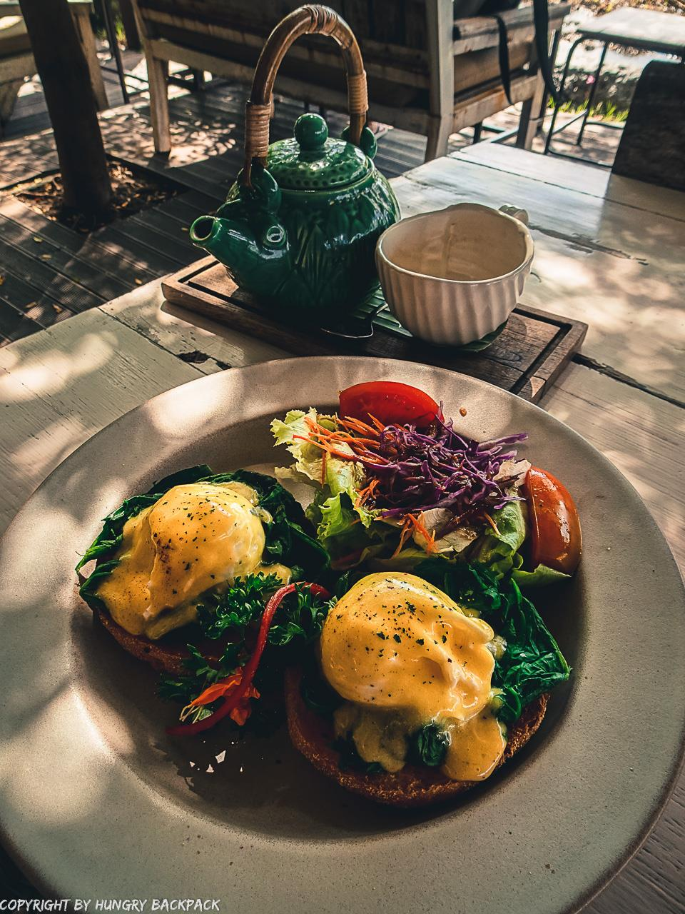 work-friendly cafes Canggu_Nook_eggs bennedict with tea