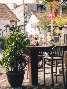 work-friendly cafes Canggu_Satu-Satu_outside seating