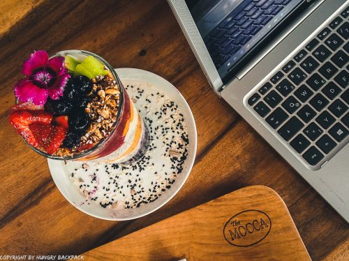 work-friendly cafes Canggu_mocca cafe_work chia