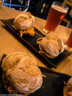 Craft beer Tour Porto_a Fabrica_beer and sandwich