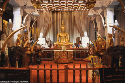 Kandy Sightseeing Tour_Temple of the Tooth inside