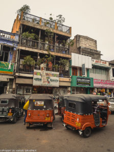 Kandy Tour_city centre with tuk tuks
