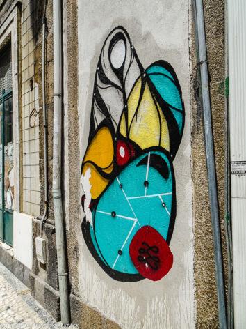 Porto best streetart_Hazul faceless Madonna_Rua Formosa