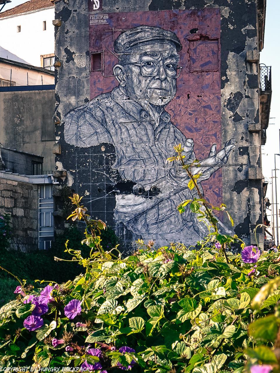 Porto street art_AN.FI.TRI.ÃO by Frederico Draw close