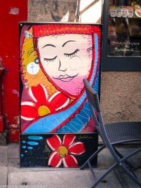 Porto street art_Rua das Flores_electrical box_costah flower girl