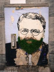 Porto street art_Rua de Miguel Bombarda_electrical box_man with grass beard