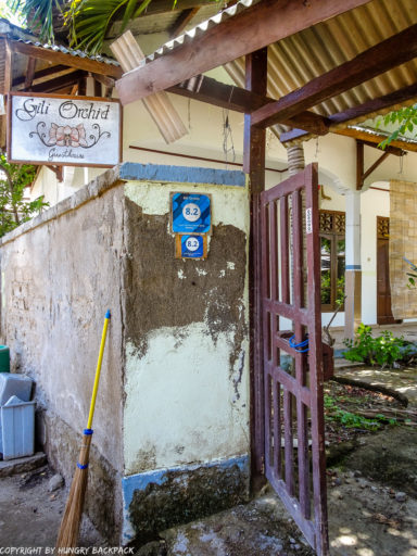 Gili Trawangan on year after earthquake_abandoned guesthouse