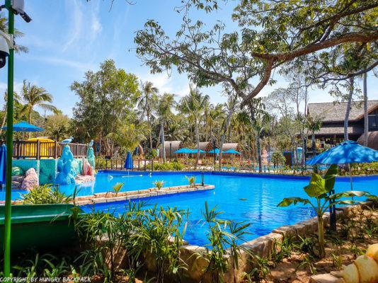 Aquatopia water park_family rest area