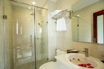 Stellar Hotel Qhu Quoc - Bath room